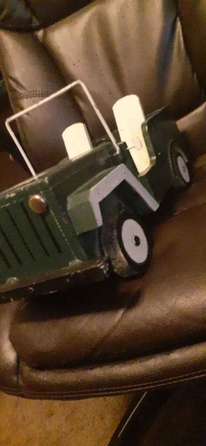 odd-wood-jeep-toy-tf-id2