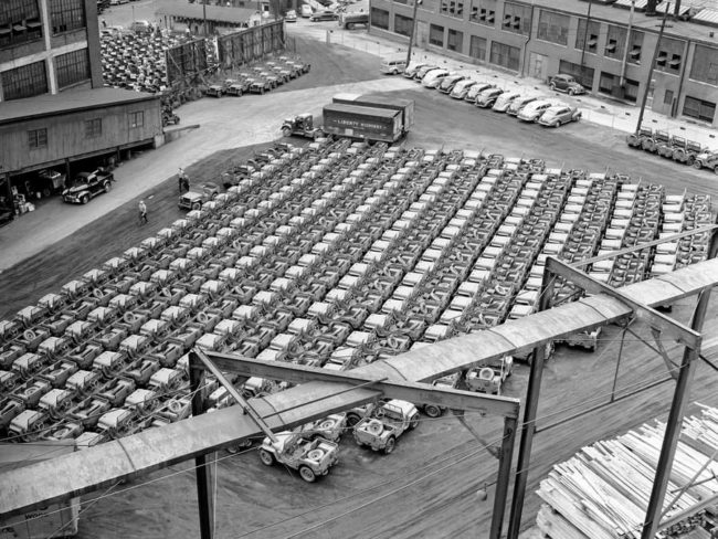 1940s-willys-overland-toledo-factory-wwii-jeeps