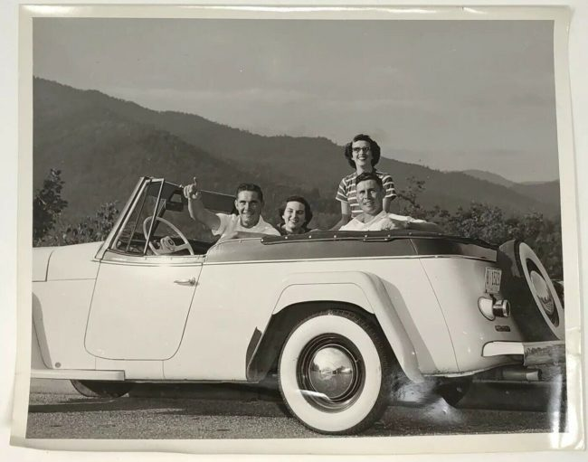1950s-jeepster-photo
