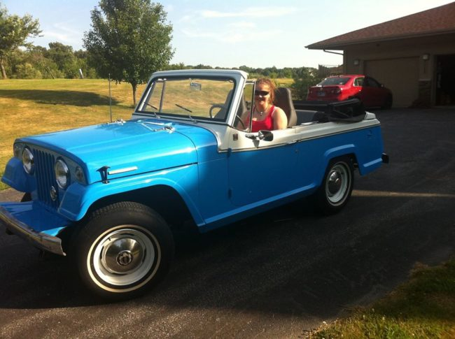 1967-jeepster-convertible-deluxe-in1