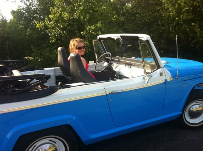 1967-jeepster-convertible-deluxe-in2
