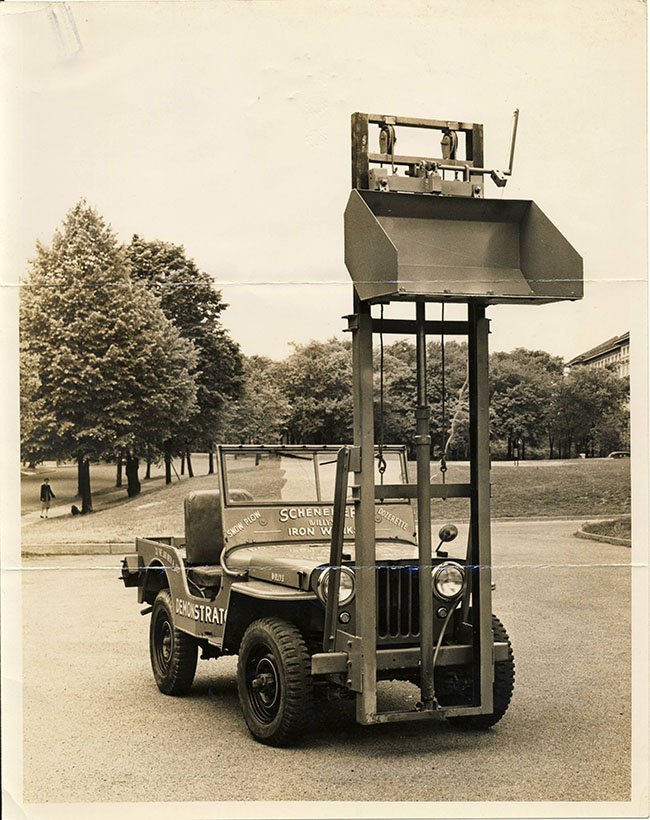 photo-scheneker-iron-works-fork-lift-lores