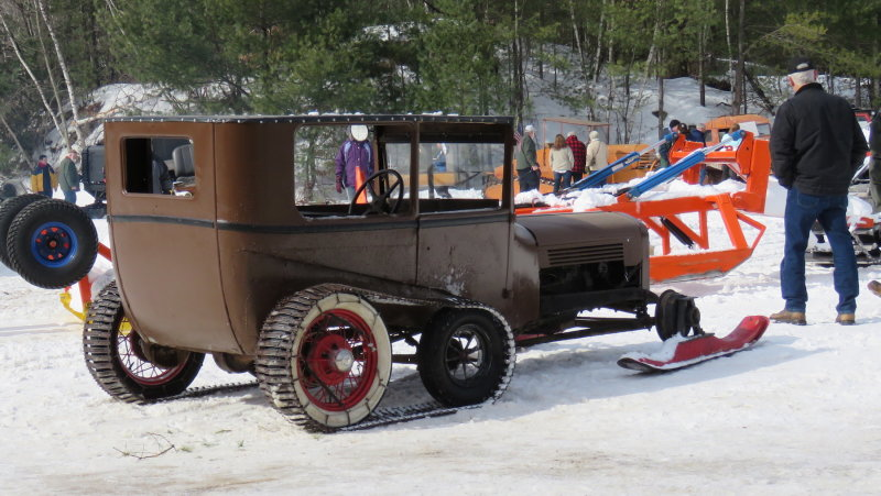 1927-ford-model-a-with-tracks2