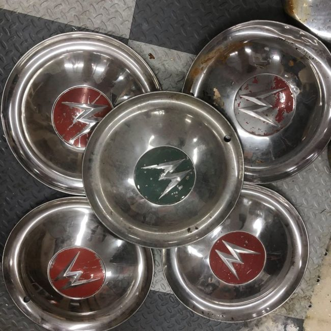 willys-hubcaps-southampton1