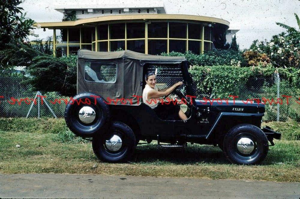 dispatcher-jeep-indonesia-1-lores-reversed