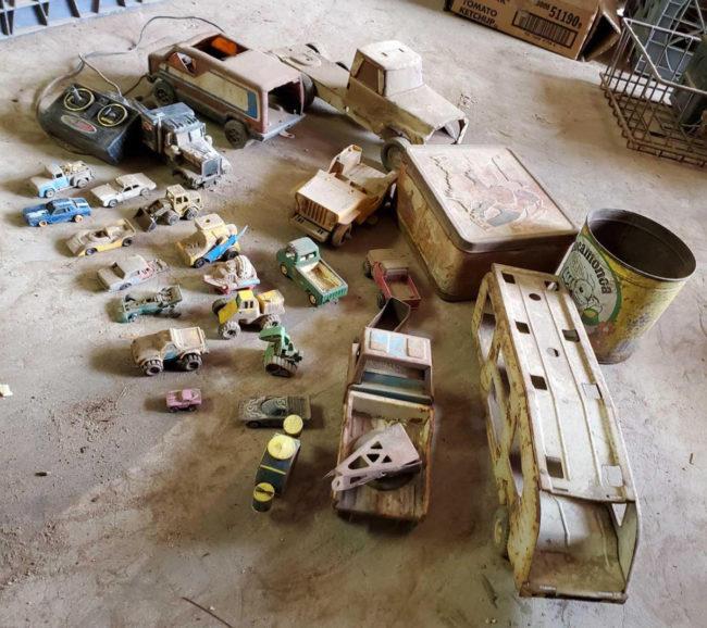 toys-auction-ca3