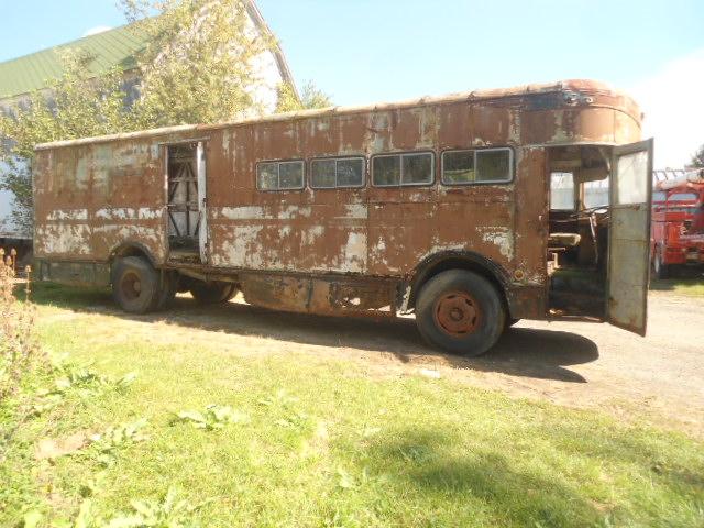 1958-fageol-mobile-postal-van4