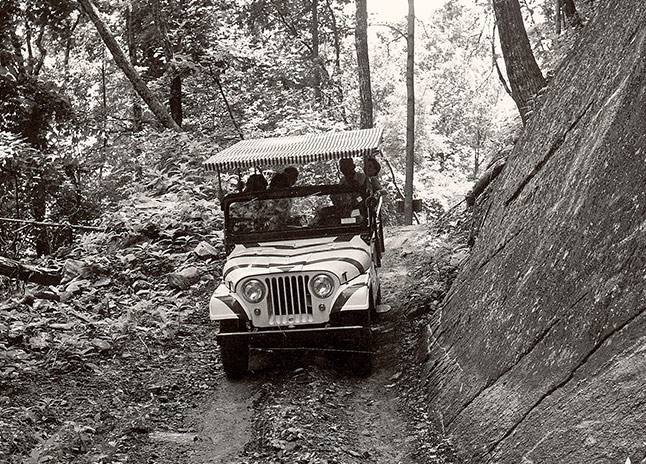 chimney-rock-jeep-trail-tour-jeep