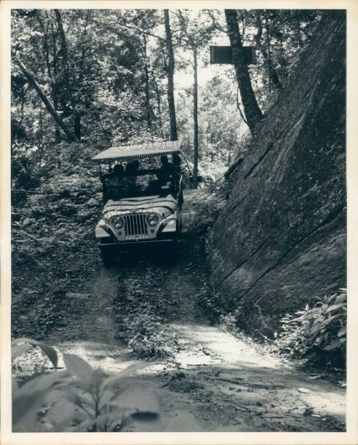 chimney-rock-jeep-trail-tour-jeep1