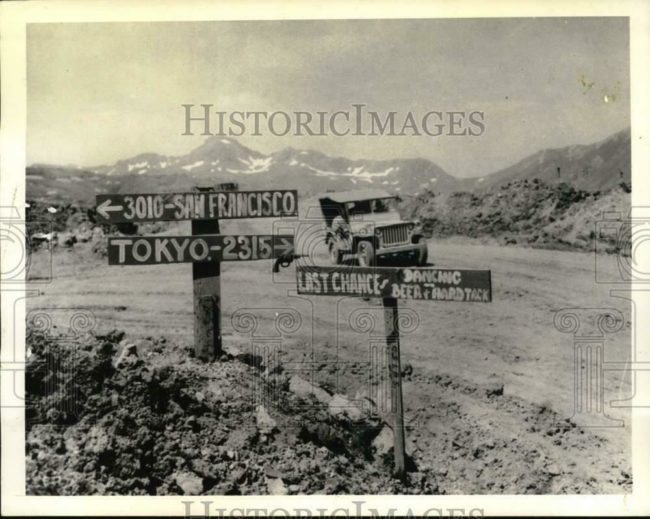 1943-09-24-attu-signs-jeep1