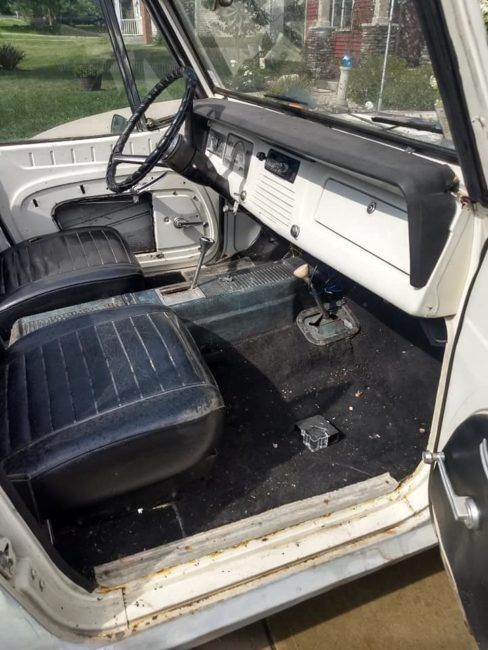 1967-jeepster-convertible-hamilton-oh3