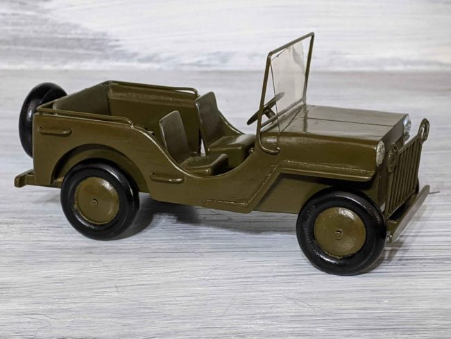 1940s-army-jeep-model-goodyear-az01
