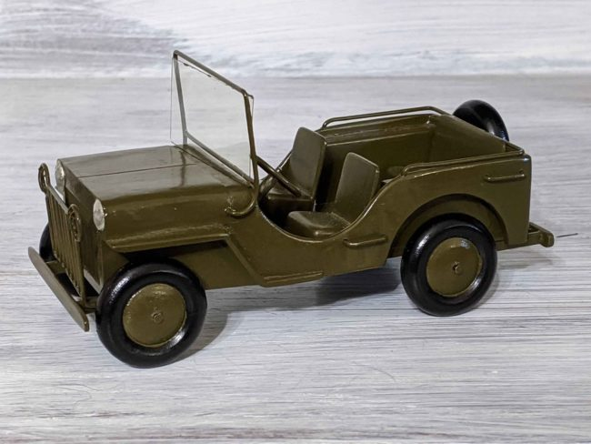 1940s-army-jeep-model-goodyear-az03
