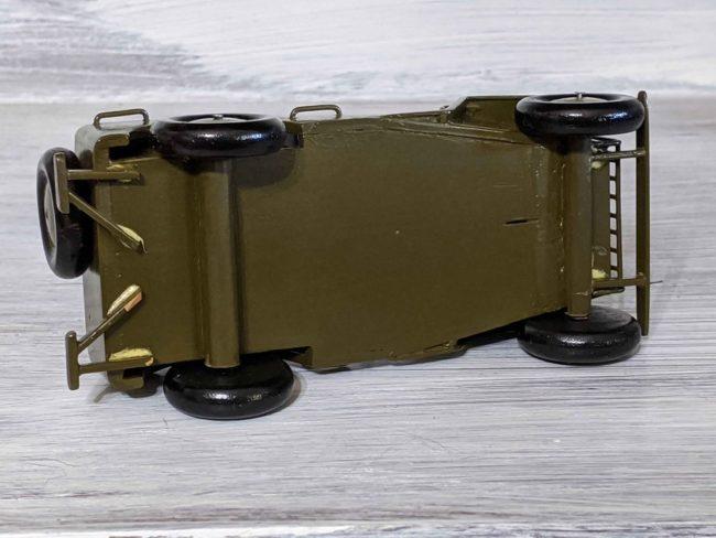 1940s-army-jeep-model-goodyear-az3