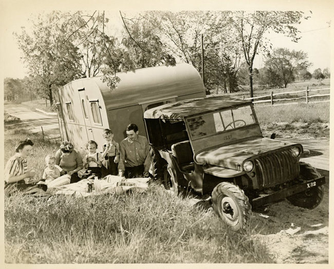 1945-07-willys-overland-press-kit-photo10-lores