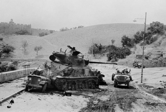 1967-6day-war-jeeps-tank-israel