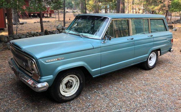 1969-jeep-wagoneer-barnfinds