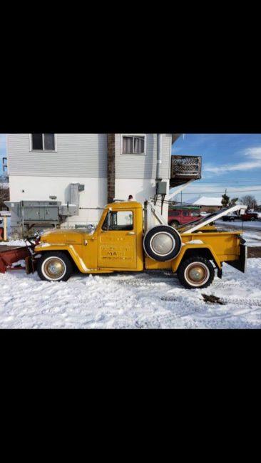 year-truck-wrecker-marquette-mi1