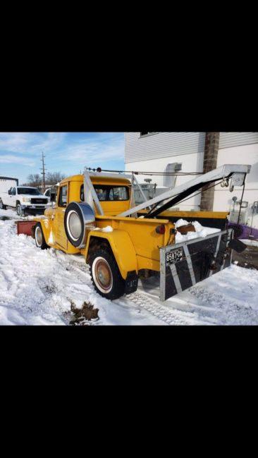 year-truck-wrecker-marquette-mi6