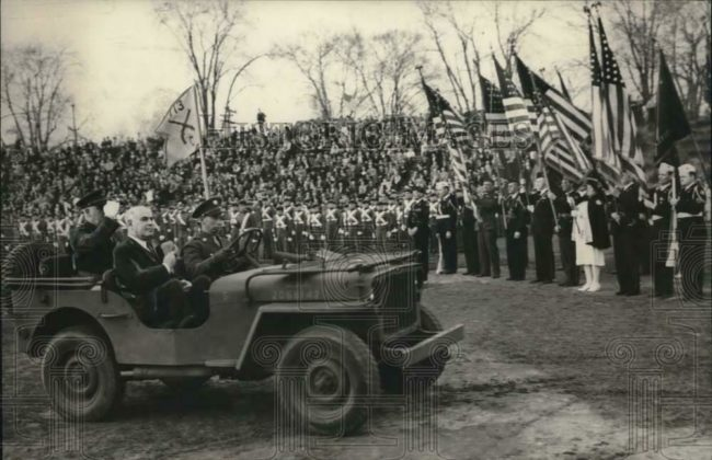 1942-04-07-gov-lehman-ny-in-jeep1