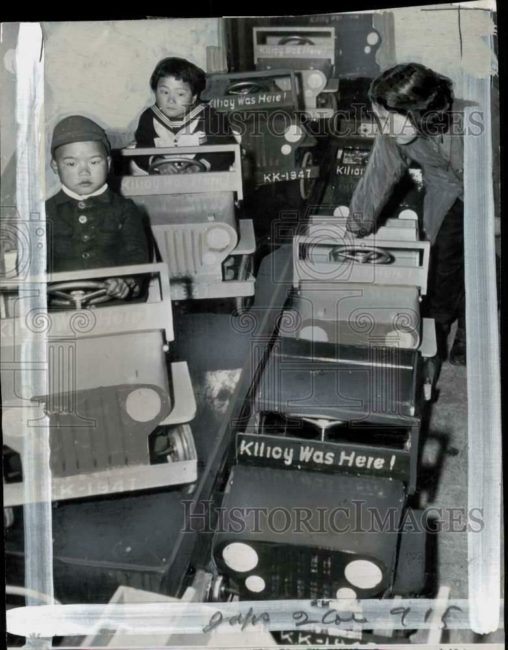 1947-03-31-kilroys-here-japanese-kids-jeep1