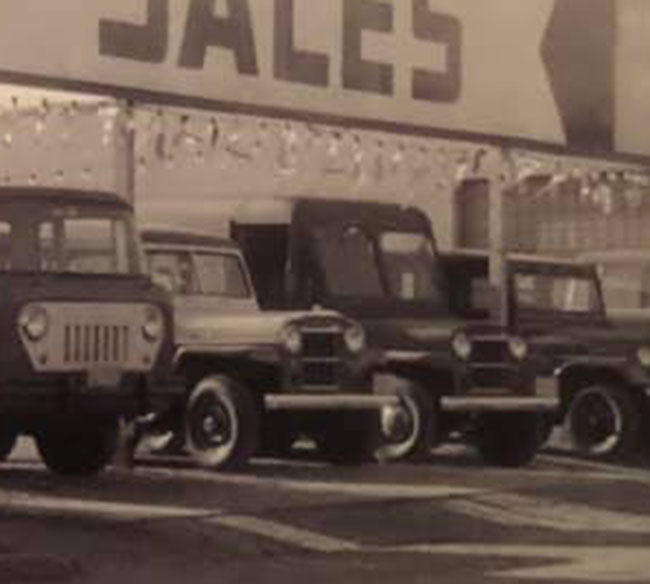 1957-park-jeep-sales-photo-fb-dealer2