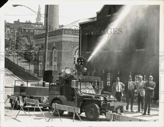 1969-08-07-fire-jeep-albany-1