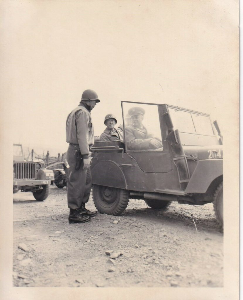 1945-jeep-hodges-bradley-eisenhower1