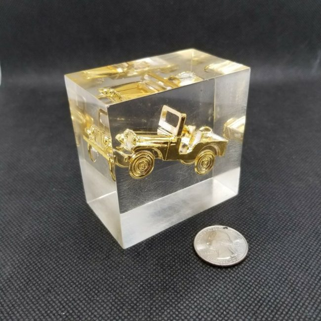 cj5-lucite-paperweight-gold2