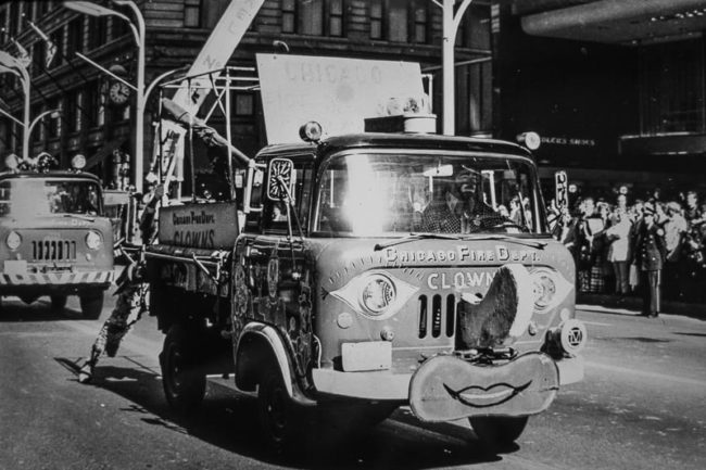 fc-170-clown-jeep-chicago-parade