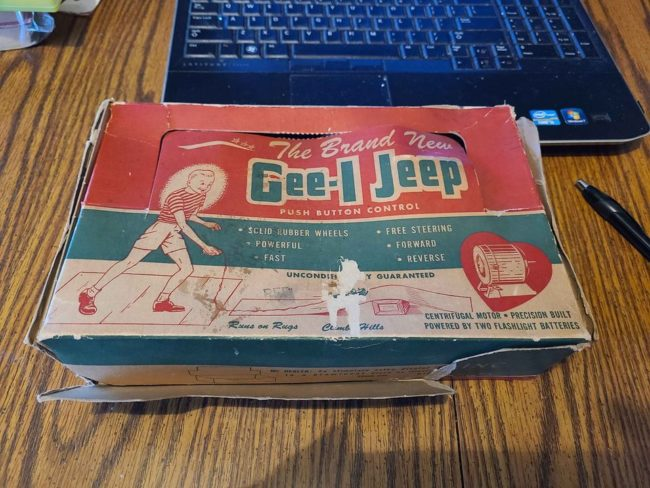 gee-i-jeep-with-box2