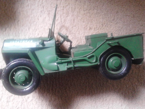 jeep-tin-toy