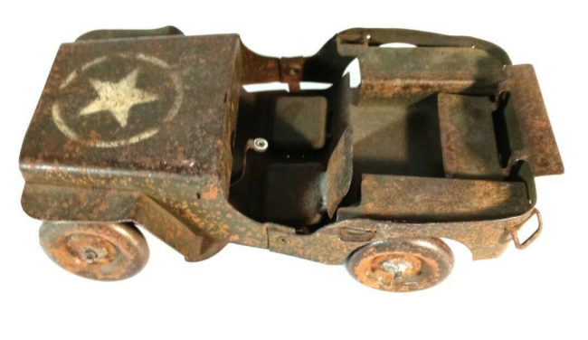 press-steel-jeep-toy-military1