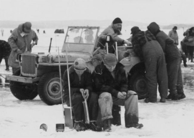1954-1955-wisconsin-edu-library-madison-lake-mendota-ice-fishing-closeup