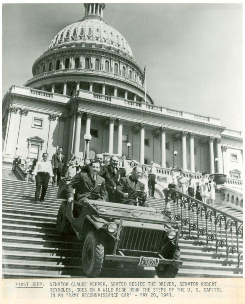 1941-05-20-bantam-brc-40-capitol-steps-lores