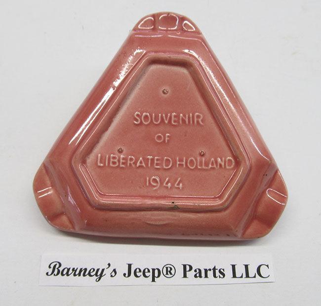1944-mr-jeep-holland-ashtray2-barney