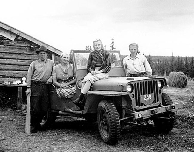1947-swedish-family-jeep