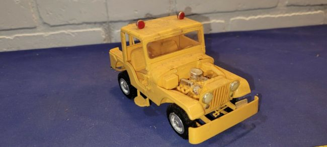 model-yellow-tow-jeep-push-bumper-cj5-2