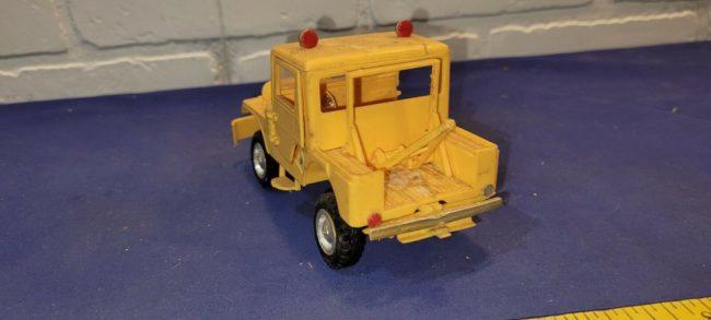 model-yellow-tow-jeep-push-bumper-cj5-4