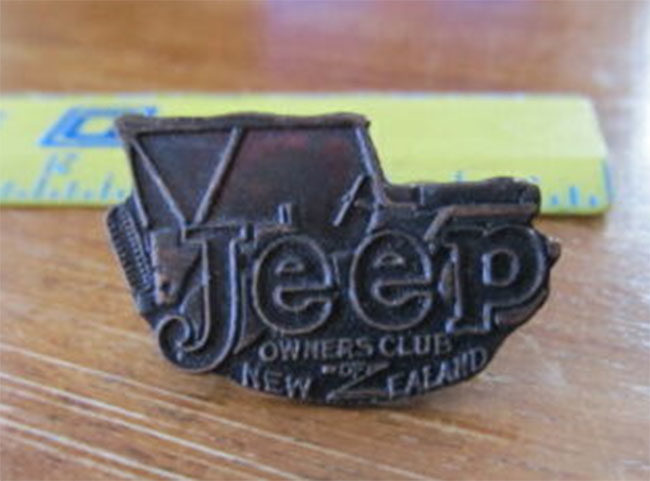new-zealand-jeep-hat-pin1