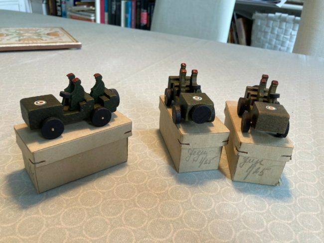1945-danish-made-britich-paratrooper-toys54