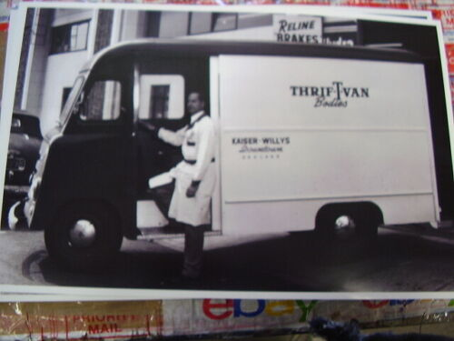 1950s-thrif-t-van-kaiswer-willys-photo