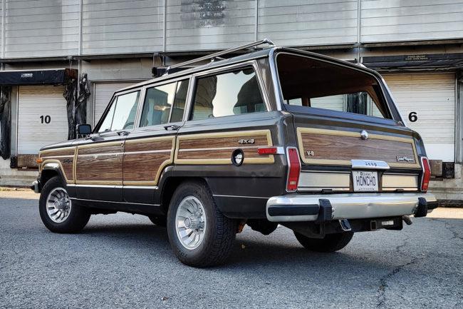 jeep-grand-wagoneer-rear